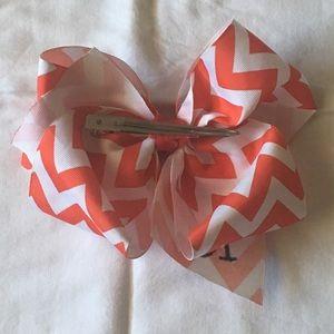 "Accessories - ""K"" initial hair bow"